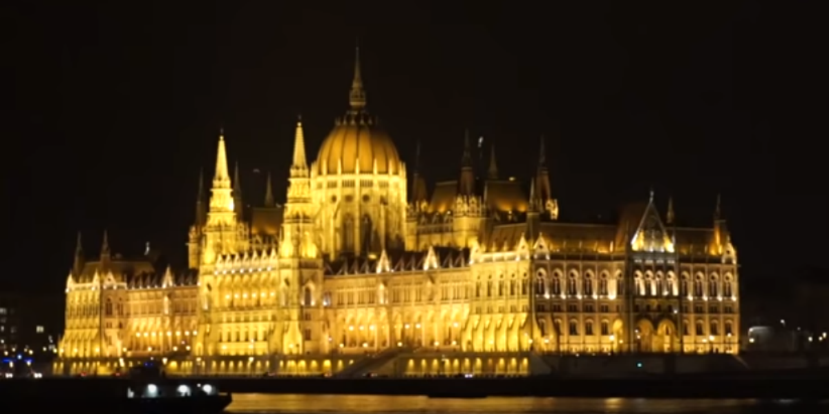 Follow me to Budapest Hungary Travel Guide 1